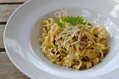 těstoviny s houbami Ethnic Recipes, Food, Eten, Meals, Diet