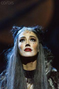Delta Goodrem and cast perform at 'CATS' Media Call