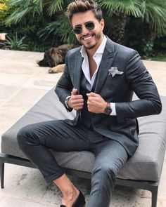 Suit inspiration with a gray charcoal three piece suit no show socks black loafers white button up shirt sunglasses white black gingham pocket square watch Dark Gray Suit, Grey Suit Men, Grey Suits, Shirt With Grey Suit, Wedding Suits For Men, Casual Wedding Suit, Dark Grey, Grey Suit Wedding, Trendy Wedding