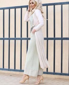 green pastel palazzo pants with long cardigan- How to wear long cardigan with hijab http://www.justtrendygirls.com/how-to-wear-long-cardigan-with-hijab/