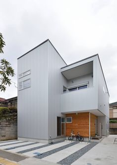 CASE492 スチールと木の家 Residential Architecture, Modern Architecture, Small House Exteriors, Simple House Plans, Box Houses, Small Buildings, House Entrance, Prefab Homes, House Rooms