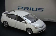 "TOYOTA PRIUS OFFICIAL LICENSED 1:30 WHITE ""NOT FOR SALE"" Dealer Color Sample"