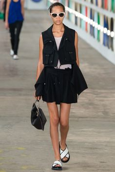 Boss Spring 2017 Ready-to-Wear Fashion Show - Selena Forrest