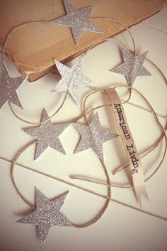 star garland - love this champagne gold color of glitter paper.
