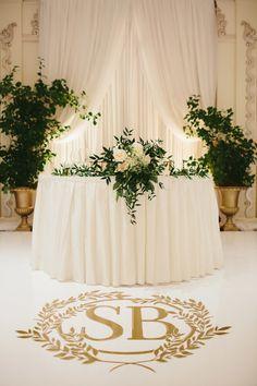 Wedding Games, Wedding Reception Decorations, Wedding Centerpieces, Table Decorations, Wedding Ideas, Wedding Details, Unique Centerpieces, Tall Centerpiece, Wedding Couples