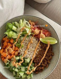 I Love Food, Good Food, Yummy Food, Healthy Snacks, Healthy Eating, Healthy Recipes, Plats Healthy, Food Is Fuel, Food Goals