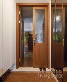20평대 아파트 인테리어 Entrance Design, Door Design, House Design, Room Interior, Home Interior Design, Small Apartment Interior, Small Apartments, Wood Doors, Windows And Doors