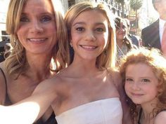G Hannelius with Beth Littleford & Francesca Capaldi Disney Channel Shows, Disney Shows, Disney Pop, Disney And More, Disney Actresses, Actors & Actresses, G Hannelius, Dog With A Blog, Family Channel