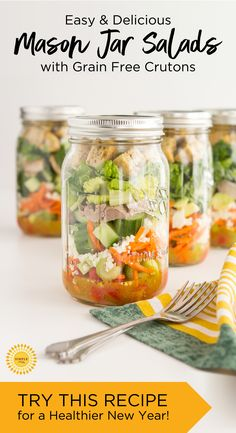 Mason Jar Salads with Grain Free Croutons Mason Jar Meals, Meals In A Jar, Mason Jars, Low Carb Recipes, Vegan Recipes, Cooking Recipes, Jar Recipes, Recipies, Diet Recipes