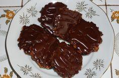 SUROVINY Budeme potřebovat: 1/4 l mléka 150 g Cukru krupice 160 g másla 60 g hladké mouky 200 g kand Christmas Cookies, Pudding, Meat, Recipes, Food, Crinkles, Author, Xmas Cookies, Christmas Crack