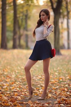 Hot skirts and dresses Mode Outfits, Sexy Outfits, Estilo Vanessa Hudgens, Women With Beautiful Legs, Looks Pinterest, Pantyhose Outfits, Girls In Mini Skirts, All Jeans, Sexy Legs And Heels