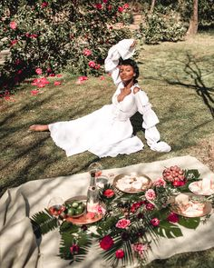x Savannah Weekends are for Credit: Asiyami Gold Black Girl Aesthetic, Summer Aesthetic, Belle Aesthetic, Aesthetic Women, White Aesthetic, Zooey Deschanel, Black Girl Magic, Black Girls, Beautiful Black Women