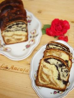La Ancuţa: Cozonac cu nuca si mac Romanian Food, Pastry And Bakery, Beignets, Cakes And More, French Toast, Breakfast, Ethnic Recipes, Christmas, Knits