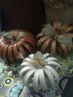 My mason jar lid pumpkins so fun and easy to make