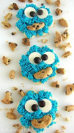 adorable cookie monster cookies for a little boy birthday! or my birthday. Cut Out Cookie Recipe, Cut Out Cookies, Cute Cookies, Cookie Recipes, Cookie Monster Cupcakes, Cupcake Cookies, Sugar Cookies, Cookie Favors, Baby Cookies