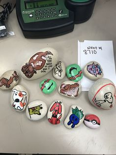 Painting rocks isn't the only thing you will see, but it is my favorite thing! I am a stay at home mom and love the kindness rock project, I am the admin of . Rock Design, Diy Design, Stone Painting, Rock Painting, Diy And Crafts, Arts And Crafts, Painted Rocks Kids, Kindness Rocks, Easy Paintings