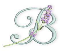 """Es ist Donnerstag und Zeit für den nächsten Lavendel-Buchstaben.  Während meines Aufenthaltes in der Provence konnte ich einiges über Lavendel lernen, was mir so noch nicht bekannt war.  Wusstet Ihr, dass eine """"normale"""" Lavendelpflanze auf einem Lavendelfeld in der Regel bereits nach 5 Jahren ersetzt werden muss? Wenn man dabei bedenkt, dass sie nach der Pflanzung erst einmal 2 Jahre ohne  ..."""