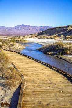 See the best hikes and viewpoints in Death Valley National Park with this list of things you can't miss -- written by a former park ranger! Most Visited National Parks, California National Parks, Us National Parks, California Travel, Oh The Places You'll Go, Places To Travel, Places To Visit, Death Valley California, Beautiful Places In California
