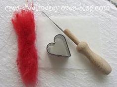 Comment réaliser un cœur en laine feutrée/cardée piquée à l'aiguille - Le blog de diddlindsey
