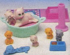 Old school Littlest Pet Shop!! I always played with this little set!