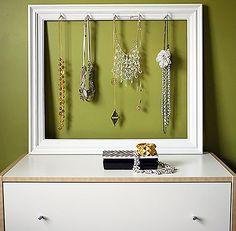 smykker opbevaring i rammen af billedet
