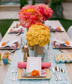 Wedding Table Settings On A Budget Bridal Shower 30 Ideas Decoration Table, Reception Decorations, Event Decor, Centerpiece Ideas, Colorful Centerpieces, Rose Centerpieces, Summer Wedding Centerpieces, Wedding Table, Summer Weddings