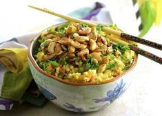 Cauliflower Fried Rice 23 Low-Carb Dinners Under 500 Calories That Actually Look Good AF Low Carb Recipes, Cooking Recipes, Healthy Recipes, Vegetarian Recipes, Cooked Pineapple, Dinners Under 500 Calories, Clean Eating, Healthy Eating, Cauliflower Fried Rice