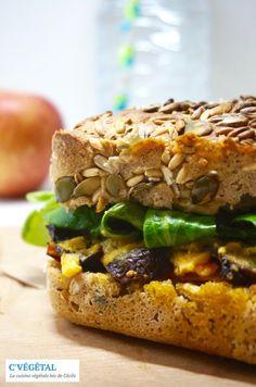 """Le sandwich """"toasté végane"""" façon Cojean (champignon, potimarron et """"cheddar"""") - C'Végétal http-:cvegetal.com"""