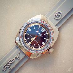 Branded & Luxury Watches For Men White Watches For Men, Luxury Watches For Men, Timex Watches, Old Watches, Vostok Watch, Seiko Mod, Diesel Watch, Watches Photography, Diving