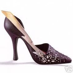 These are the porcelain shoes I collect... Love this one.