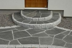 Fin entreanläggning. offerdalskiffer Small House Design, Yard Design, Porch Entry, Front Steps, Walkway, Garden Paths, Outdoor Activities, Garden Inspiration, Home Projects