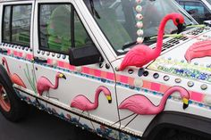 Wow... This would look most awesome parked in our driveway, next to the pink flamingo-themed VW bug I just pinned - and of course with the full megaflock of 50 flamingos in the front yard. There would be absolutely no doubt left in anyone's mind that I AM the Crazy Flamingo Lady! ;-)