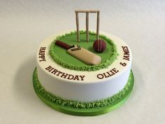 Classy Cricket Cake Decorations in Round Cricket Cake Birthday Cakes For Men, Cricket Birthday Cake, Cricket Theme Cake, Birthday Cake For Husband, Novelty Birthday Cakes, Themed Birthday Cakes, Cakes For Boys, Themed Cakes, Birthday Ideas