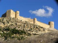 CASTLES OF SPAIN - Castillo de Castalla, Alicante, fortaleza islámica ( siglo XI). Jaime I de Aragón lo tomó a los árabes integrandolo al Reino de Valencia. En la Guerra de Independencia, fue testigo de dos importantes batallas. La 1ª (Batalla de Castalla), en 1812, siendo derrotado el ejército español, y provocó la conquista de la ciudad por el ejército de Napoleón. Sin embargo, la 2ª batalla, en 1813, fue un gran triunfo  español, al ser derrotadas las tropas francesas del general Suchet.