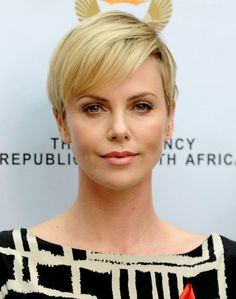 2014 Charlize Theron's Short Hairstyles: Cropped and Simple Haircut for Short…