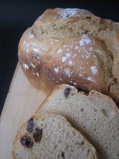 Pan de Centeno y Pasas en Panificadora