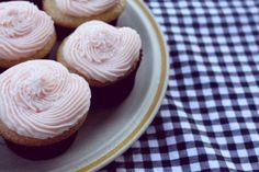 Happy Weekend + 5 Things I Love   Food Edition   Pink Lemonade Cupcakes