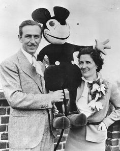 Walt e Lillian Disney con Mickey - 1935