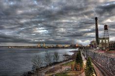 Lakewalk along Lake Superior in Duluth, MN