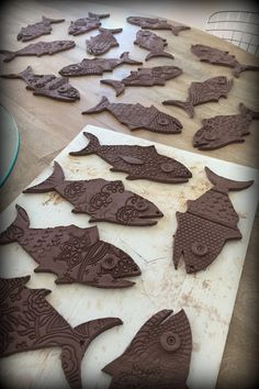 Pottery – Page 2 – Be Creative Mary – Air Dry Clay Clay Art Projects, Ceramics Projects, Clay Crafts, Hand Built Pottery, Slab Pottery, Pottery Art, Clay Fish, Kids Clay, Pottery Animals