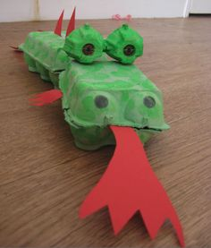I've made several recycled crafts and activities for kids using cardboard but nothing like these amazing egg carton projects. You'll be blown away by these 22 things to make using an egg carton. Some of the egg carton crafts include sewing kits, floral a… Kids Crafts, New Year's Crafts, Cute Crafts, Projects For Kids, Diy For Kids, Diy And Crafts, Craft Projects, Arts And Crafts, Craft Ideas