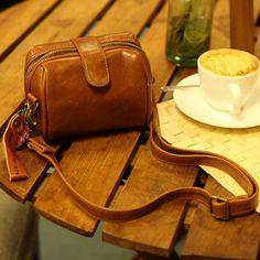 (FL002628) Mikko 2012 New Camera Handbag Ad0317: Korea Retro Leather Sketchy & Lomo Style