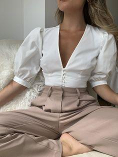 Fashion 2020, Look Fashion, Fashion Outfits, Fashion Trends, Feminine Fashion, Female Fashion, Modern Fashion, New Fashion, High Fashion