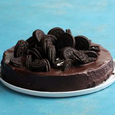 Cookies and Cream Cheesecake - Cheesecake Recipes - Oreo Ideas Baking Recipes, Cookie Recipes, Recipes With Oreos, Oreo Dessert Recipes, Cookies And Cream Cheesecake, Delicious Desserts, Yummy Food, Desserts Diy, Cookies Et Biscuits