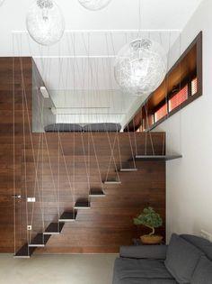 escalier droit avec marches en porte-à-faux de design magnifique