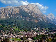 blogdetravel: O excursie de o zi din Veneţia - Cortina d'Ampezzo... Mountains, Nature, Travel, Places, Naturaleza, Viajes, Trips, Off Grid, Natural