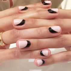 Accent nails are a really good way to enliven your routine manicure. Accent nails are astoundingly popular because they can really make your nails pop. How To Do Nails, Fun Nails, Nails 2017 Trends, Soft Nails, Nagellack Trends, Trendy Nail Art, Nagel Gel, Fabulous Nails, Nail Polish Colors