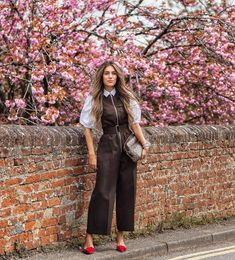 Beating the Spring style blues and talking what to wear in this temperamental weather, wearing those florals despite it being 5 degrees… London Fashion Bloggers, Spring Fashion, 50th, What To Wear, Your Style, Duster Coat, Blues, Summer Outfits, Jackets
