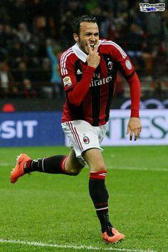 Primo gol di Pazzini in Milan-Catania 4-2