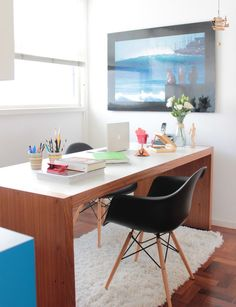 Love the idea of having a double-sided desk in my next office for work parties.